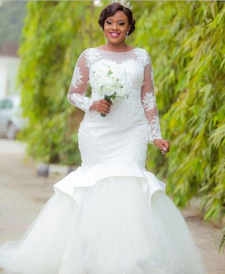 2019 African Long Lace Sleeves Mermaid Wedding Dresses Bridal Gowns See Through Sweep Train Applique Plus Size Vestido de novia