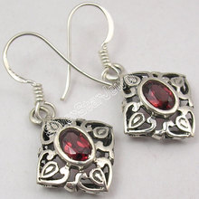 Chanti International PURE Silver High End CUT RED GARNET Gem VINTAGE STYLE CAST Earrings 3.4 CM(China)