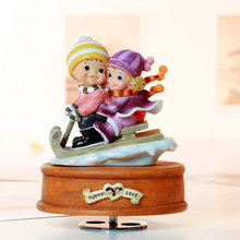 Rotating music box birthday gift romantic lovers male wedding Christmas present for home decoration free shipping