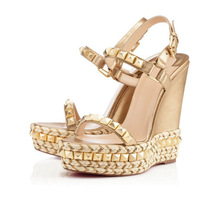 2017 New Women Platform Wedges Sandals Fashion Squared Rivets Studded Gold Black Sandals High Heels Platform Wedge Sandals