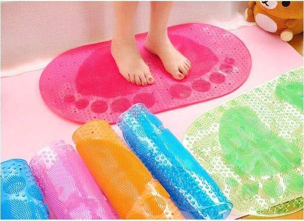 Libisemisvastane vannitoavaip jalajälgedega