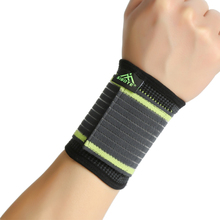 Free Size new style simple elasticity sports safety series green stripe bandage wrist support ST2543(China)