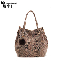 The new snakeskin leather handbags European and American brand factory foreign trade bucket bag leather bag