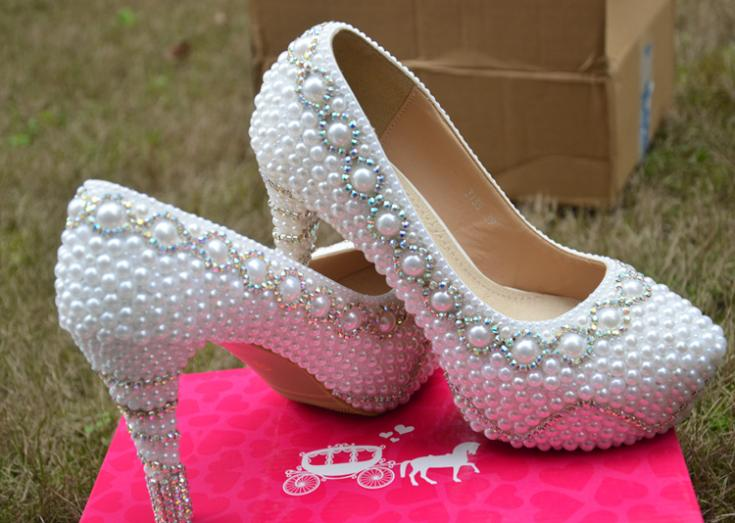 2016 Fashion Spring and Autumn White Wedding Dress Shoes Gorgeous Imitation Pearl Rhinestone Bridal Shoes Ladys Party Shoes<br><br>Aliexpress
