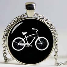Retro black white bike necklace personalized men accessories 2016 minimalist style casual sports bicycle pendant jewelry