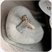 Unique Design Concise Simple Style Rhinestone Crystal V-shaped Tail Ring 8RD23(China)