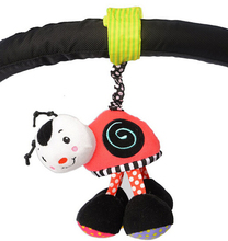 Candice guo! Newest arrival cute Sassy smiling ladybug bed hang pull shaking rattle baby toy gift 1pc(China)