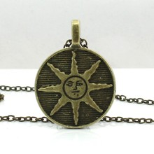 Fashion Dark Souls Solaire Of Astora Sun Pendant Zinc Alloy Male Necklace Dark Souls Sunbros Necklace Sun Necklace