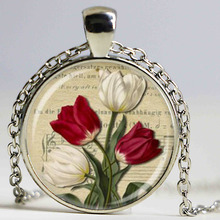 New Red and White Tulip Necklace Spring Floral Pendant Art Glass flowers Necklace Glass Dome Pendant(China)