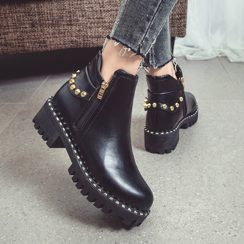 HIZCINTH 2017 Winter Short Boots Female Rivet Vintage Martin Ankle Boots, Thick Bottom Leather Motorcycle Booties Shoes Woman<br>