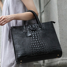 Luxury Woman OL handbags made of genuine leather crocodile skin bag with 3D appliques high quality vintage ladies shoulder bags(China)