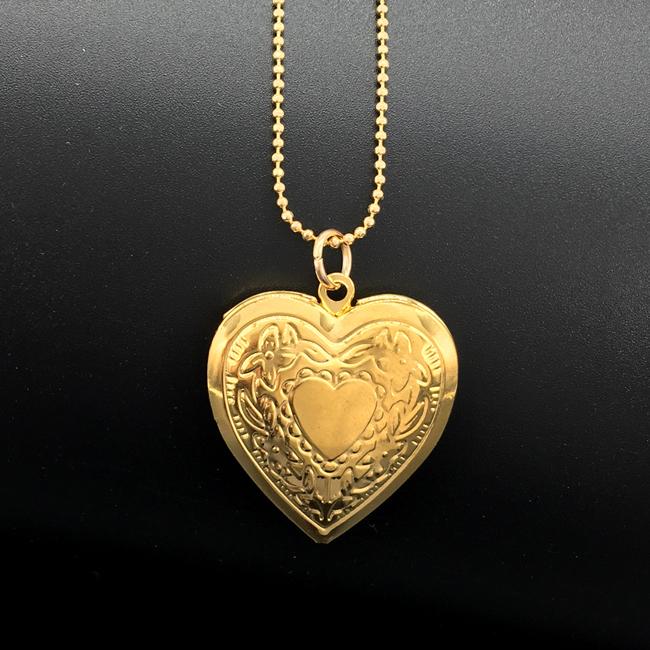 Heart Necklace8.jpg