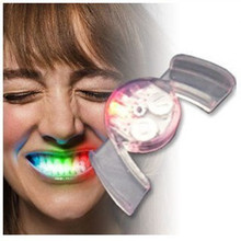 1pc Creative LED Light Silicone Flashing Brace Mouth Funny Light-up Toys for Party Carnival Halloween