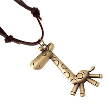 Fashion Jewelry Giraffe Necklace Men Personality Leather Rope Alloy Clavicle Necklace Casual Vintage Punk Necklace 0285