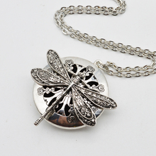 5pcs Dragonfly Design Lockets Vintage Essential Oil Diffuser Necklace Aromatherapy Lockets Pendant For Christmas Gift XL-44(China)