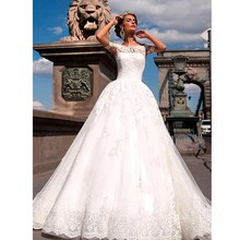 2017 New Arrival Ball Gown Short Sleeve Lace Vintage Wedding Dresses Princess Woman China Bridal Gowns Vestido De Noiva