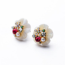 2016 New Arrival Natural Sea Shell Stud Earrings Design Fashion Luxury Simulated Pearl Flowers With Diamonds Earrings For Women