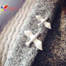 2015 christmas gift fashion designer women's white oil coated peace Pigeon costume brooches pins accessories jewelry