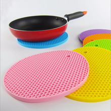 Thickened Silicone Insulation Table Pan Pan Mat Heat- Resistant European Kitchen Anti - Hot Pad Home Kitchen Gadgets