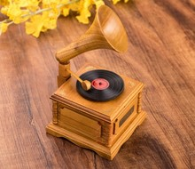 1PC Wood simulation phonograph music box holiday wedding gifts in the choice of furniture decoration KN 010