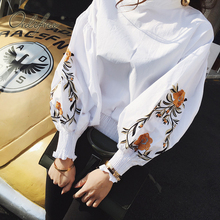 2017 Summer Vintage Women Top Short Blouse Shirt Blusas Floral Embroidery Casual Flower Embroiderey Black White Women Shirt