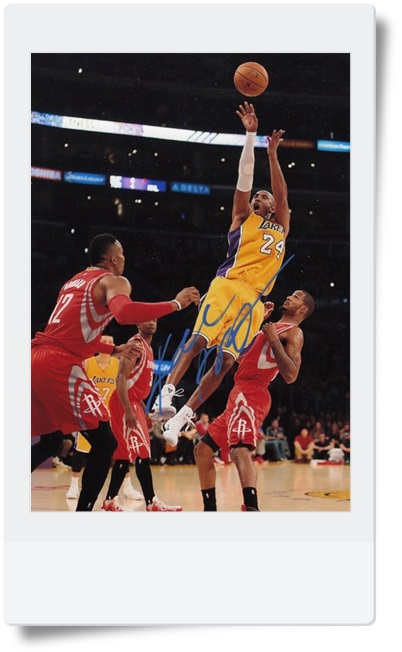 signed Kobe Bryant autographed  original photo 7  inches free shipping 08201701<br>