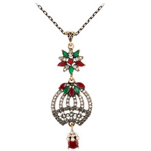 2017 Newest Fashion Five petal flower Rhinestone Jewelry Vintage Imitation Emerald Necklace Pendant Jewelry