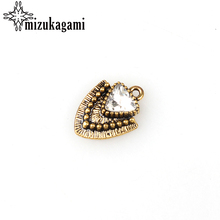 2017 New 10pcs/lot 21*16MM Retro Golden Zinc Alloy Triangle Crystal Charms Pendants For DIY Jewelry Bracelet Accessories(China)