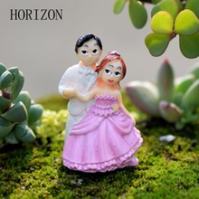 1PCS Figurines Miniature Dancing Couple Doll Resin Crafts Ornament Fairy Garden Gnomes Moss Terrariums Home Decorations(China)