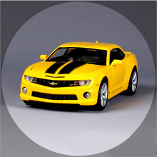 1:24 Scale brand maisto 2010 Chevrolet camaro bumblebee metal racing vehicle play collectible models sport cars toys for kids