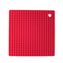 7-inch Silicone Pot Holder, Trivet Mat,jar Opener,spoon Rest Non Slip, Flexible, Durable, Heat Resistant Hot Padsred