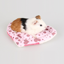 1PC Lovely Heart Shape Scratch Resistant Small Animal Pet Rabbit Cage Guinea Pig Hamster Squirrel House Cage Nest Mat Toy
