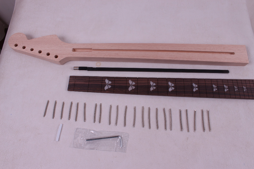 One electric guitar Neck New Solid wood 25.5 22 fret Rose wood Fretboard 01115#<br><br>Aliexpress