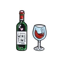 Эмалированная брошь в виде бутылки вина и рюмки