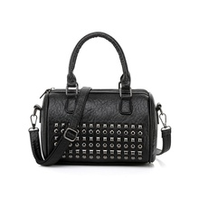 Europe Fashion Black Boston Bag Punk Rock Rivet Design PU Leather Handbags Small Shoulder Bag Women Messenger Bag Q049