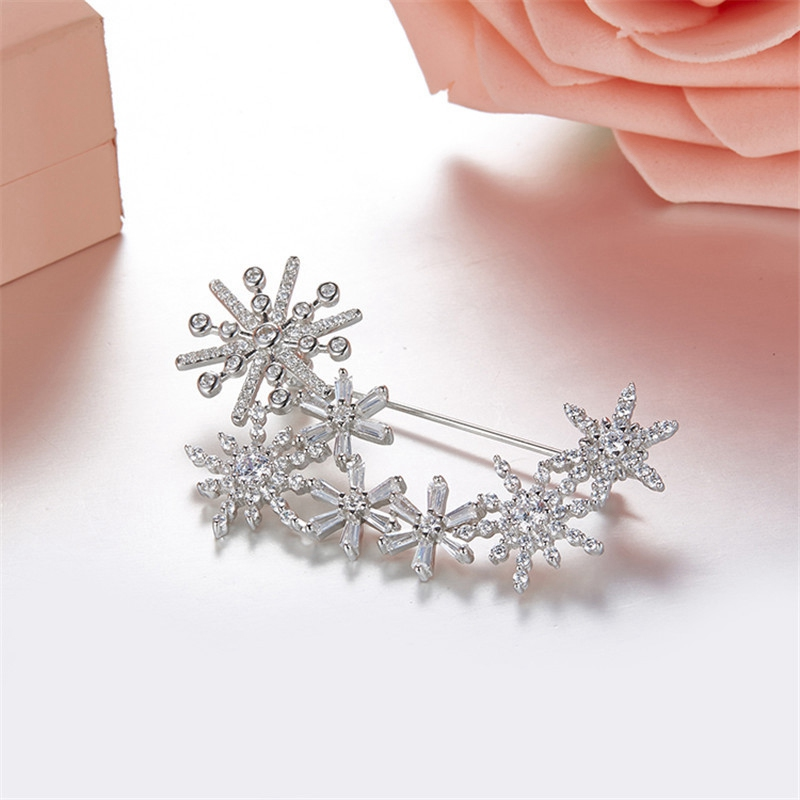 Fashion 925 Sterling Silver Zircon Snowflake Flower Brooch HE Women Wedding Lady Flower Sweater Brooch Pin Jewelry