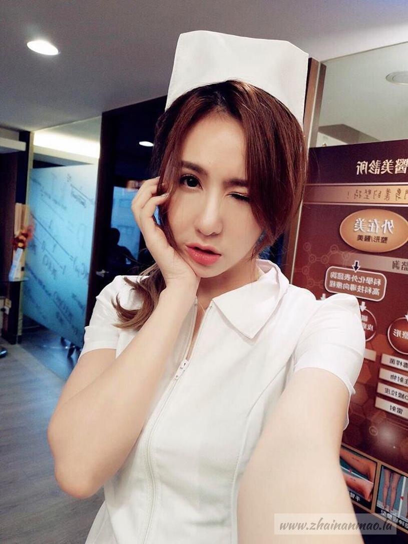 无极限女王黄沛妍S曲线身材超火辣写真图片 养眼图片 第2张