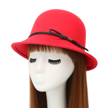 HT1230 Retro Elegant Autumn Winter Hats for Women Solid Red Black Wool Felt Bucket Cloche Hats with Belt Lady Church Fedora Hats