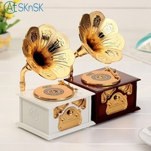 Popular crafts interesting design souvenir retro phonograph music box home decoration old furnitures music ornaments for gifts(China)