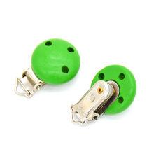 5pcs/lot Wooden Baby Children Green Pacifier Holder Clip Infant Cute Round Nipple Clasps For Baby Product 3 Hole 4.4cm x 2.9cm(China)