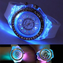 LED Night Light Quartz Watch 2016 Fashion Geneva Silicone Sports Glowing Women's Watches For Students Children Kids Gift Hodinky