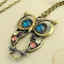 Hot Sale Vintage Crystal Owl Pendant Necklace Collier Bijoux Retro Gold Chain Rhinestone Animal Necklace Women Costume Jewellery