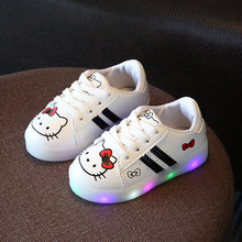 New Luminous Sneakers Glowing Shoes for Kids Hello Kitty Led Girls Baby Shoes with Lights Up Shoes for Children Chaussure Enfant