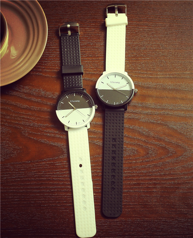 2017 new  ulzzang Brand Soft Silicone Strap Jelly Quartz Watch Wristwatches for Women Ladies Lovers Black White