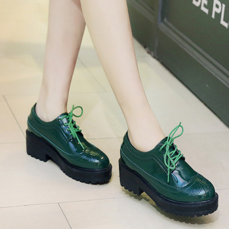 2017 Spring Patent Leather Oxford Shoes For Women Lace Up British Style Women Flat Shoes Casual Brogue Shoes<br><br>Aliexpress
