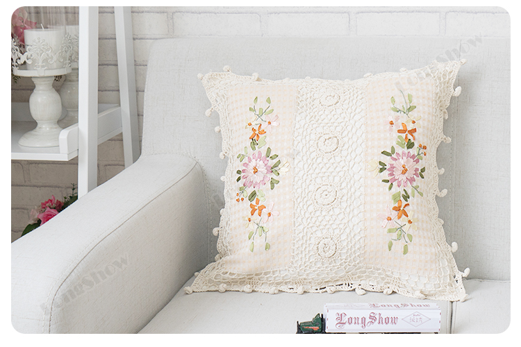 Pillow covers (4)