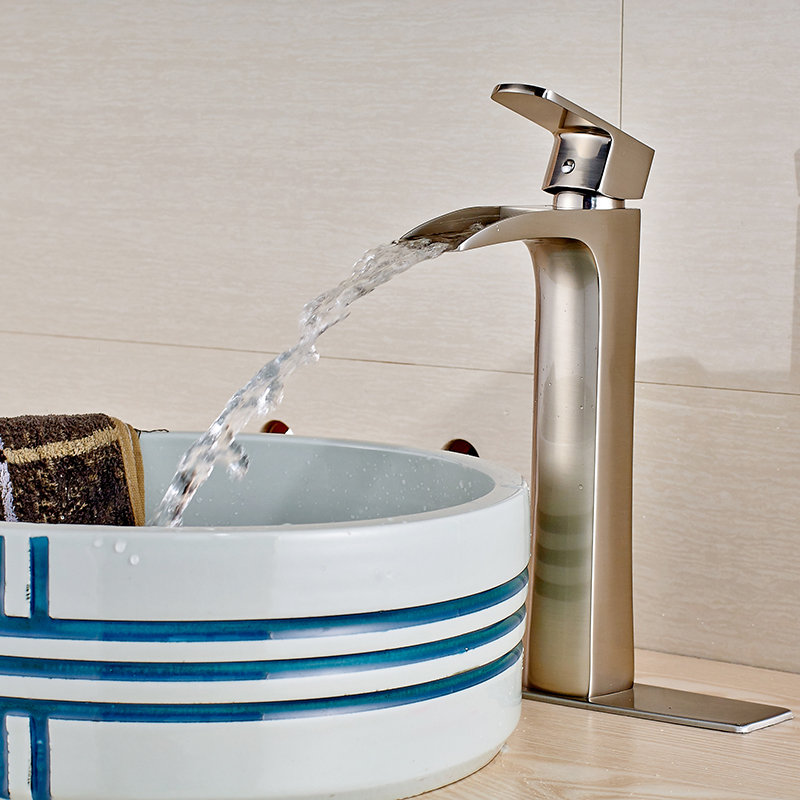 Single hole bathroom sink faucet