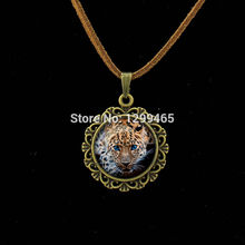 The latest fashion Vintage velvet necklace Leopard art pture glass dome jewelry leisure series essential Leather Necklace L002