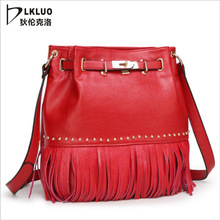 Diagonal ladies bags 2017 new spring fashion handbag factory direct explosion tassels are welcome to join