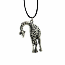 "2016 New Hot Sell Women Jewelry Vintage Silver Giraffe Pendant Short Necklace 17"" For Wholesale Free Shipping DY53"